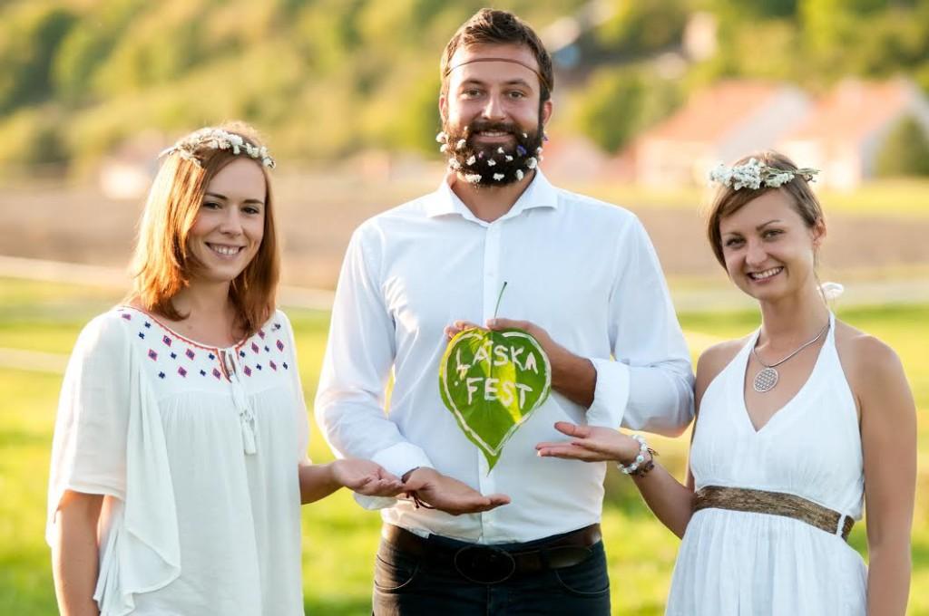 Zuzzi Husarová (vpravo) na promo fotce Láskafestu.